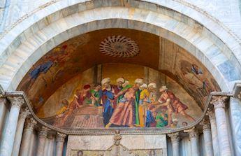 Walking tour of Venice and Golden Basilica