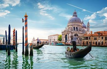 Discover Venice by gondola